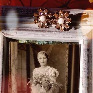 Artistic Flower Vintage EARRINGS ~ Studs for dames